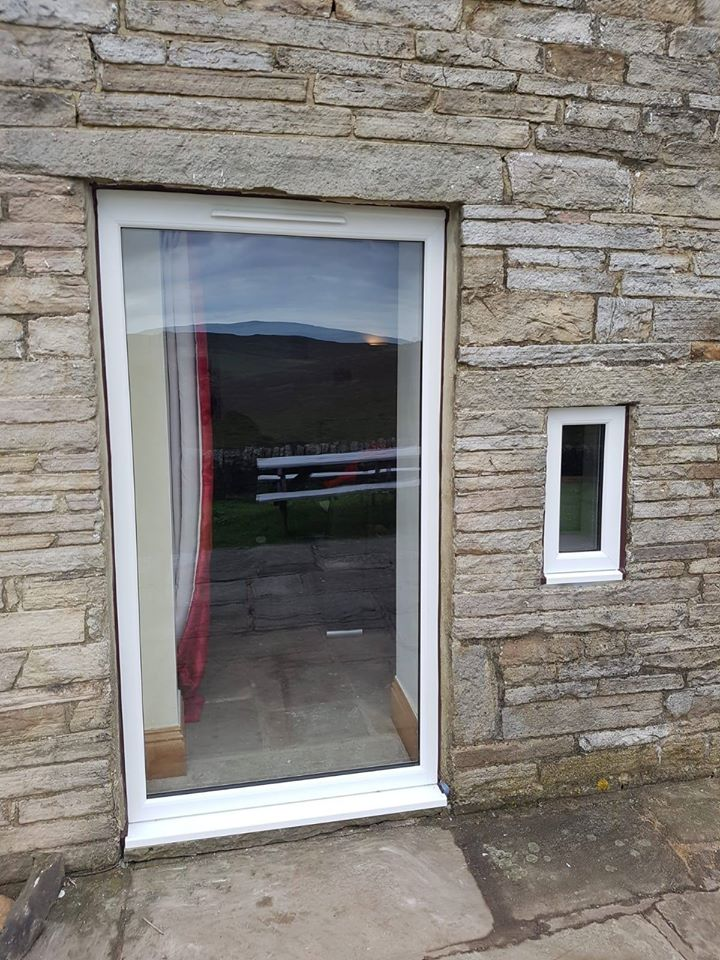LARGE WHITE UPVC WINDOW